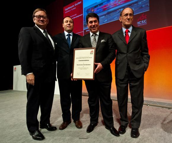 Optimum Outlet İstanbul ICSC 2010 Avrupanın en iyi Outlet'i Ödülünü aldı.